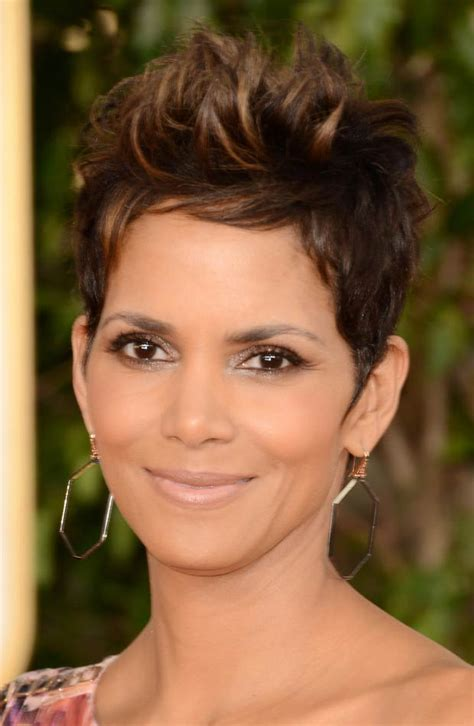 how to style hair like hale berry shot stylefrizz halle berry s revealing versace dress