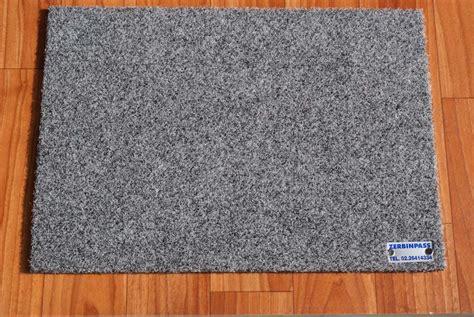 tappeti sintetici zerbino sintetico 355c grigio chiaro zerbinpass