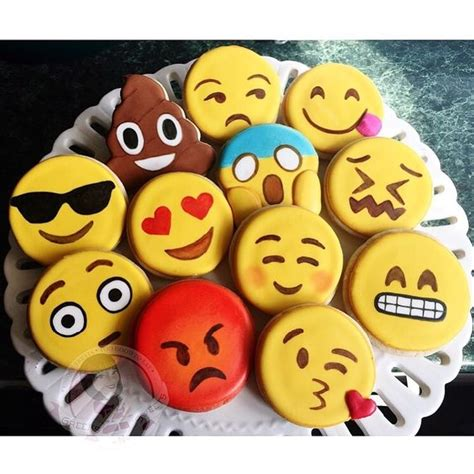 cookie emoji emoji cookies too cute cakes and cookies