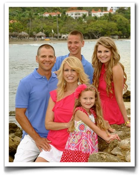 Family Photo Color Ideas | family picture ideas and tips new portrait biz digital