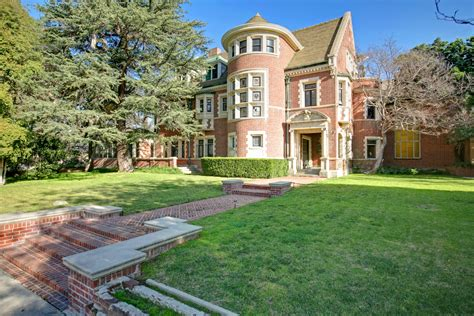 house pl house of the week murder house as seen on tv zillow