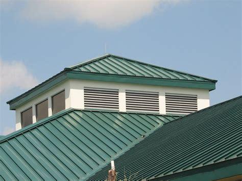 tettoie in lamiera pannelli per coperture tetto tipologie di pannelli per
