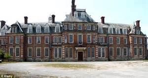 Mansions Floor Plans Discount Downton Welsh Versailles Mansion Has 57