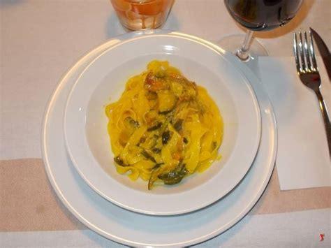 fiori di zucca con pasta pasta fiori di zucca pasta