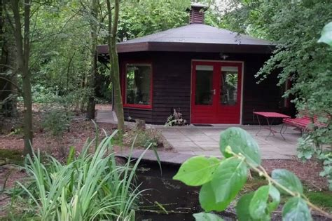 octagon cabin tiny octagon cottage in the netherlands
