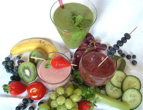 fruit and vegetable smoothie how to make smoothies fruit smoothies vegetable