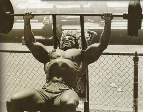 arnold schwarzenegger bench press schwarzenegger incline bench press muscle beach