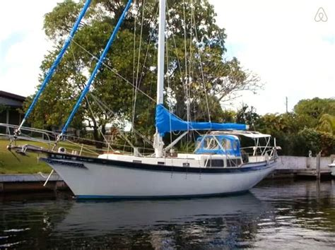 boats for hire airbnb 11 boats you absolutely need to rent from airbnb