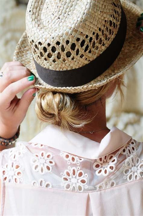 trendy hairstyles  wear   summer hat women hairstyles