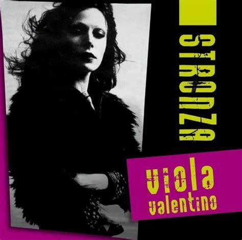 sola viola valentino testo viola valentino stronza testo e audio musickr