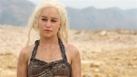 emilia clarke of thrones wallpaper daenerys targaryen emilia clarke of