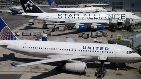 how united lost a 10 year old girl united airlines loses 10 year old girl rt america