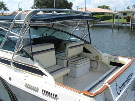 sea ray boats to be sold 1986 sea ray 300 weekender sold the hull truth