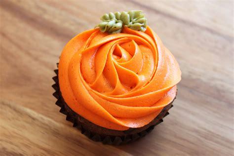 pumpkin cupcakes chocolate pumpkin cupcakes with orange pumpkin cream
