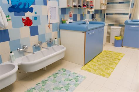 arredamento per asili nido arredo bagno per asilo nido design casa creativa e