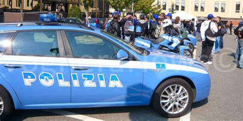 polizia stradale di pavia pavia 07 06 2017 insegue e sperona l auto con a bordo la