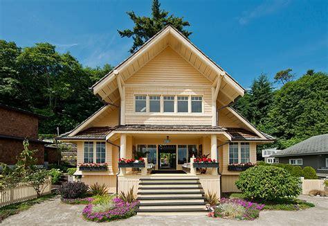 A Beach Cottage On Bainbridge Island House Bainbridge
