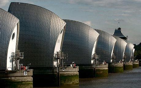 thames defence barrier thames floods thames barrier closed for record 19th
