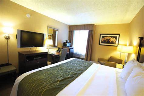 comfort inn and suites paramus nj comfort inn suites paramus new jersey nj