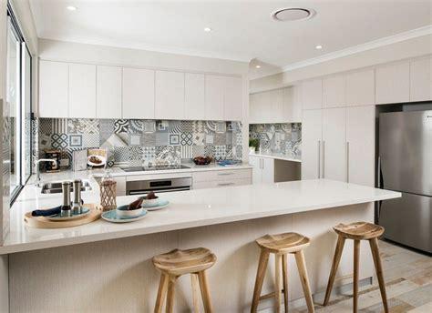 credenze cucine cr 233 dence cuisine carreaux de ciment patchwork et artistique