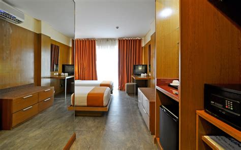 cable tv rooms boracay crown regency resort boracay discount hotels free airport