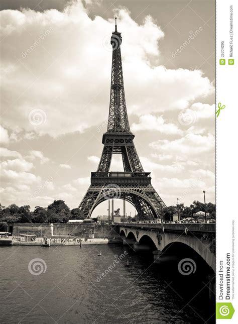imagenes de la torre eiffel en blanco y negro torre eiffel blanco y negro foto de archivo libre de