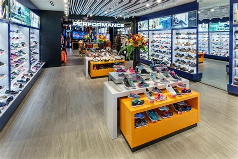 Skechers Mall by Skechers Opens Flagship Store In One World Trade Center