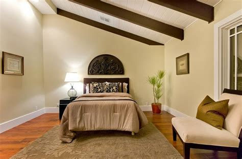 sloped ceiling bedroom decorating ideas sloped ceiling bedroom ideas decorating and design ideas