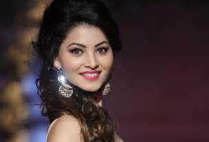 Urvashi rautela height weight age affairs amp more starsunfolded