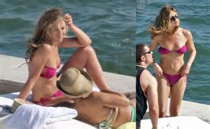 Jennifer aniston in miami in a tiny bikini popsugar celebrity