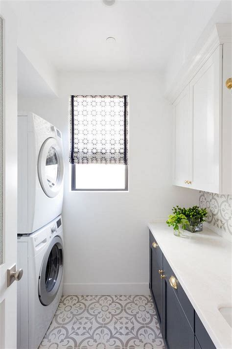 Laundry Room Floors by Best 25 Laundry Room Floors Ideas Only On