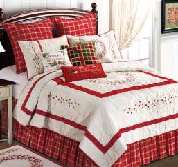 Luxury Quilts And Coverlets Red Berry Embroidered Full Queen Quilt Garden Christmas