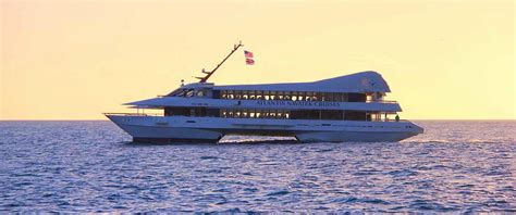 dinner on a boat honolulu oahu dinner cruise best dinner cruises tom barefoot tours