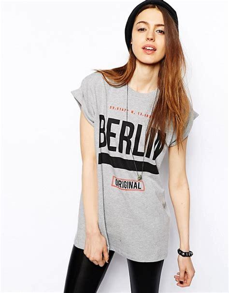 T Shirt Berlin asos asos boyfriend t shirt with berlin print