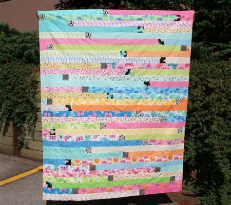 How Big Is A Jelly Roll Race Quilt by How To Make A Jelly Roll Quilt 49 Easy Patterns Guide