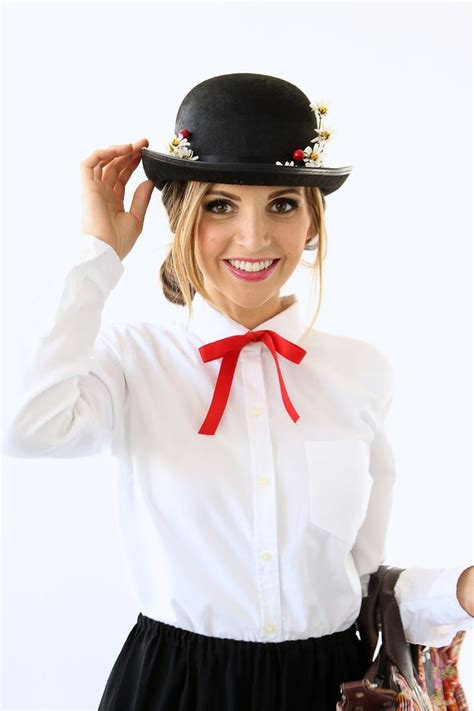 mary poppins costume i saw 46 best mary poppins images on pinterest julie andrews