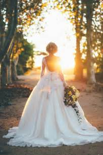 Elizabeth de varga wedding dress featured in old hollywood styled