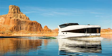 boat rentals at lake powell az luxury houseboat rentals at lake powell resorts marinas