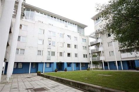 3 bedroom flat liverpool city centre 3 bedroom flat for sale in royal quay liverpool l3