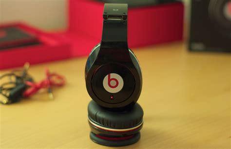 Earphone Beats review beats studio by dr dre and noise canceling headphones paulstamatiou
