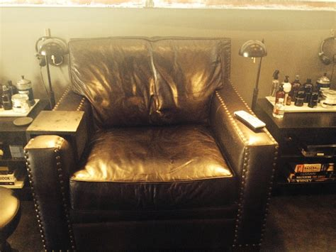 nail salon for guys hammer nails in california makes the hammer nails chair jocks and stiletto jill