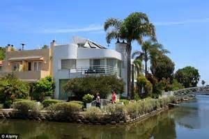 The Rock Center Detox Residence Santa by Houses In Venice Ca House Plan 2017