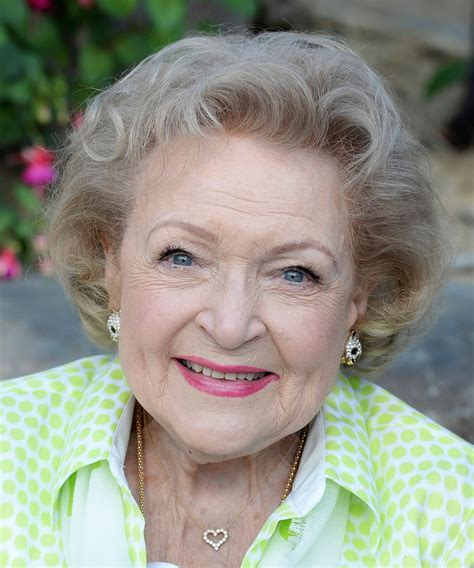 betty hairstyles alabama betty white discusses dating on the today show instyle com
