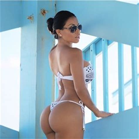 dolly castro big booty nicaraguan fitness model dolly castro meet the woman who abandoned her law degree