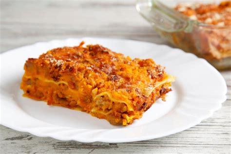 ricette con zucca mantovana ricetta lasagne alla zucca con salsiccia cucchiaio d argento