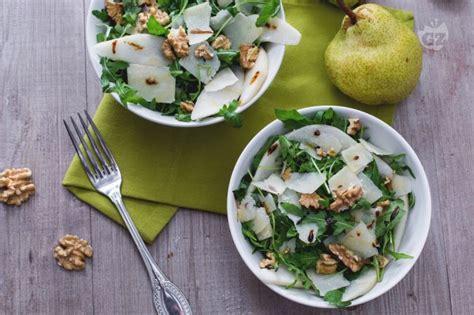 insalata di sedano noci e formaggio ricetta insalata di rucola pere grana e noci la