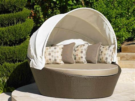 Superb Outdoor Garden Ideas #6: Round-Outdoor-Daybed-With-Canopy.jpg