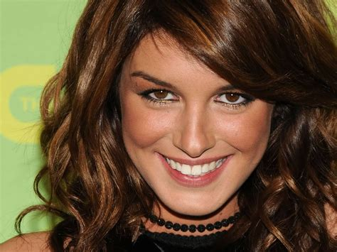 shenae grimes pictures celebrity gossips