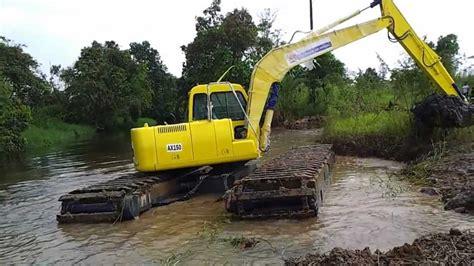 Produsen Eskavator hibious excavator ultratrex pengerukan sungai karangmumus samarinda kalimantan timur