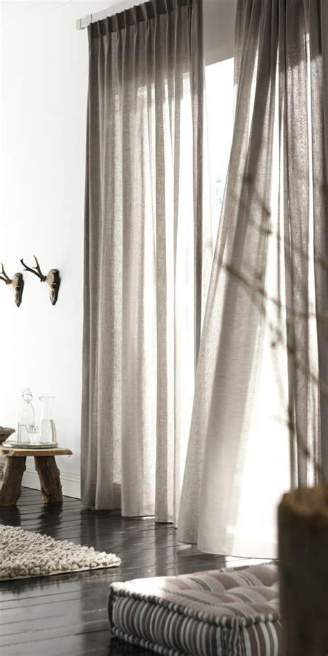 vorhänge rustikal landhausstil wanduhr modern